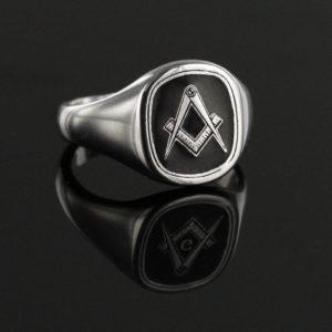 Silver Square And Compass Square Head Masonic Ring (Black)