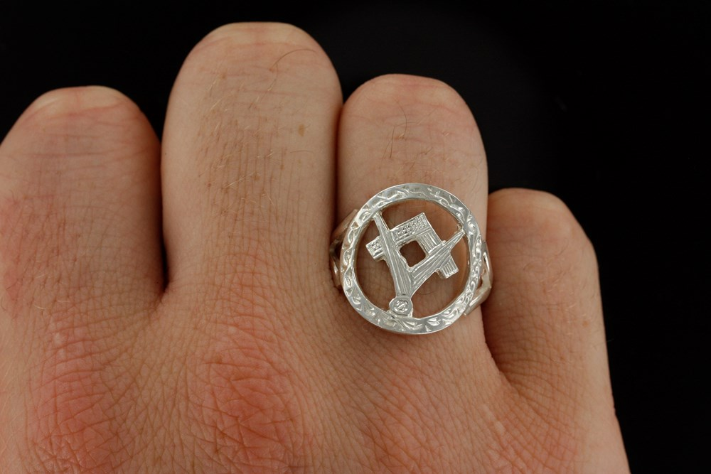 Small Silver Pierced Design Square and Compass Masonic Ring 2