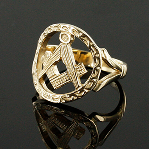 Small Gold Pierced Design Square and Compass Masonic Ring 2