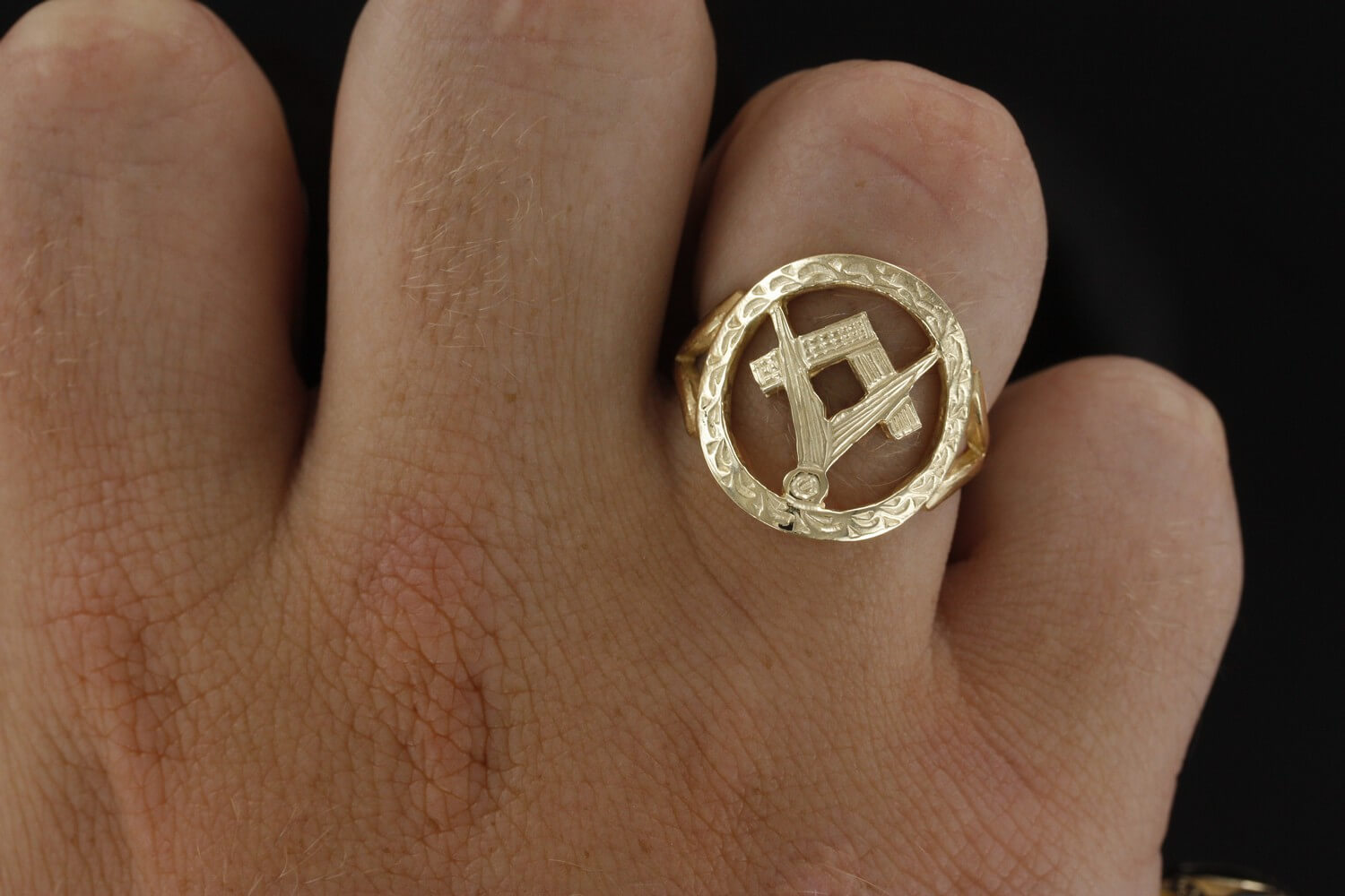 Small Gold Pierced Design Square and Compass Masonic Ring 5