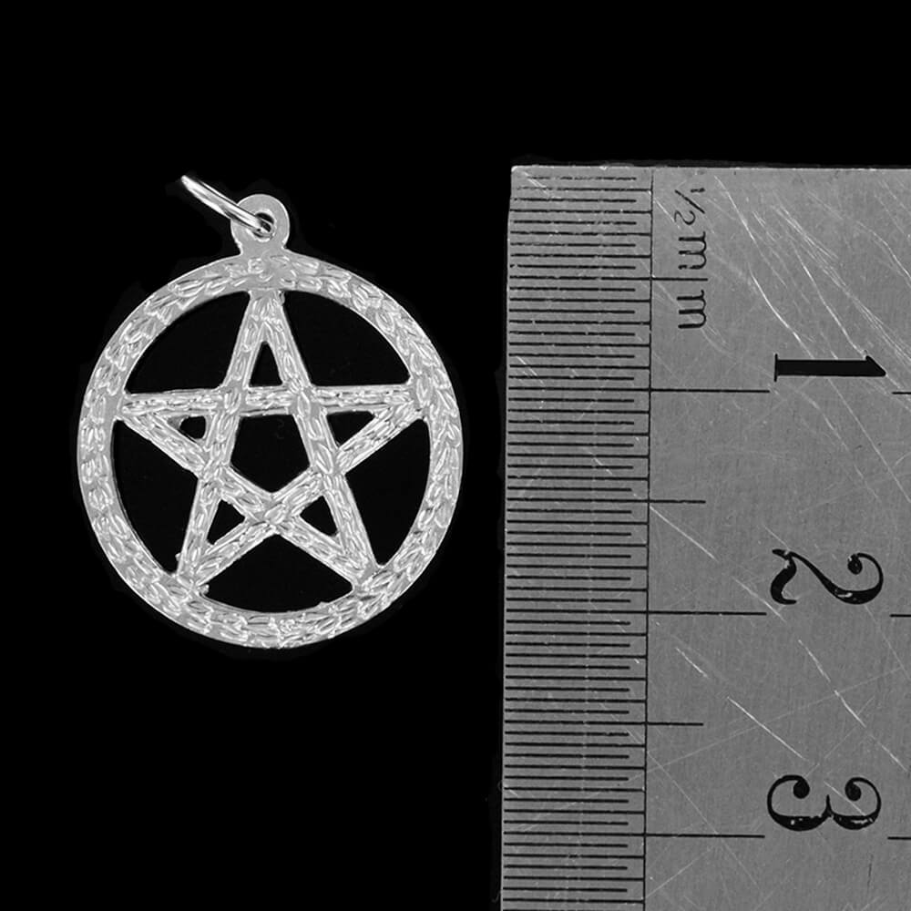 Small Circle Sacred Pentagram Pendant in Silver (17mm⌀)