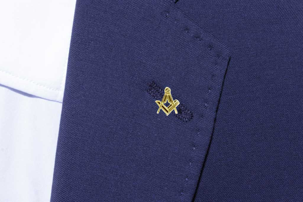 Gilt Metal Square & Compass Masonic Lapel or Tie Pin 2